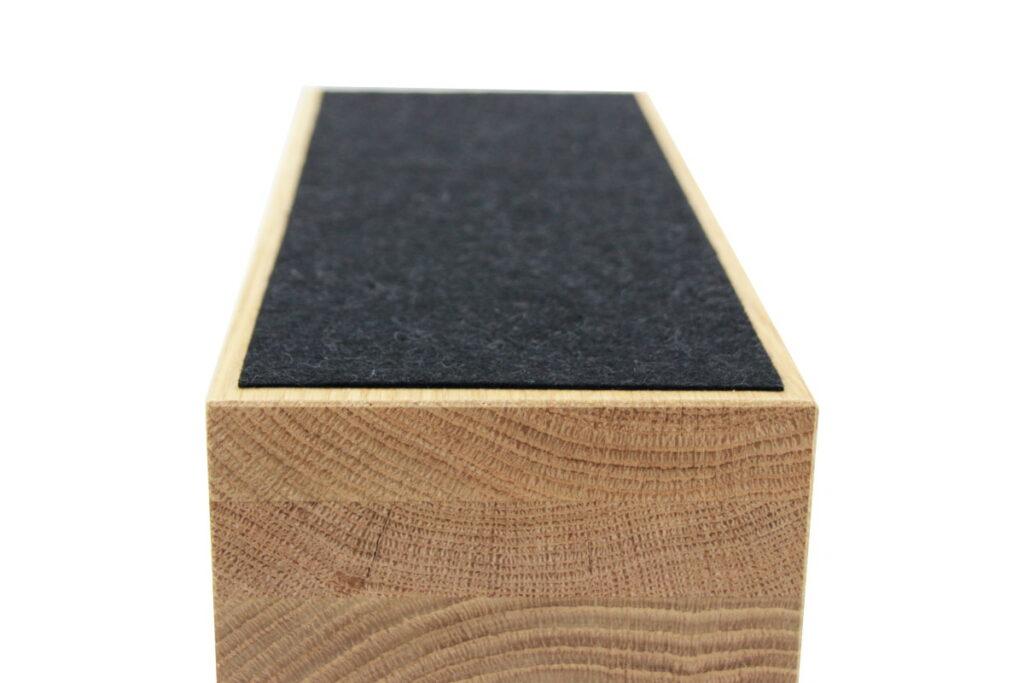 Premium-Kabelsortierer aus Eichenholz mit Filzschutz